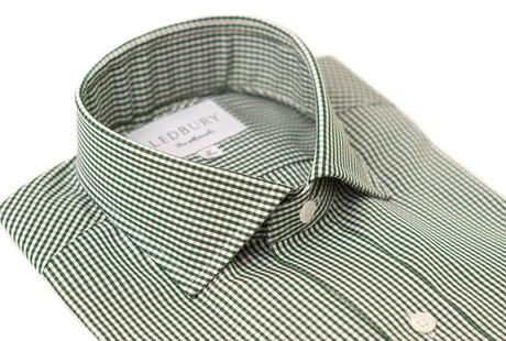 The Green Cross Cutaway collar