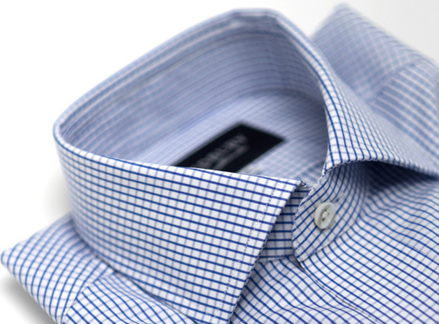 The Blue Box Check Spread collar